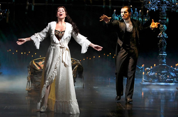phantom of the opera broadway tickets cadillac palace